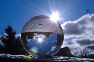איך לבחור תמונות זכוכית לבית