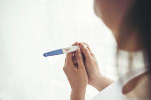 בדיקת הריון ביתית: כך תדעו מה היא אומרת